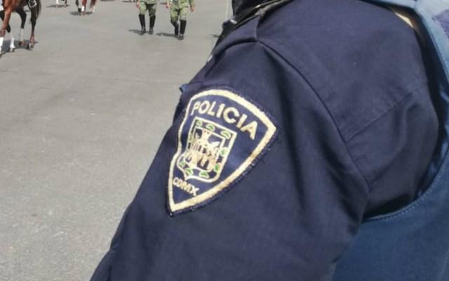 Agreden a policía que intentaba detener a narcomenudista en Iztapalapa - policía