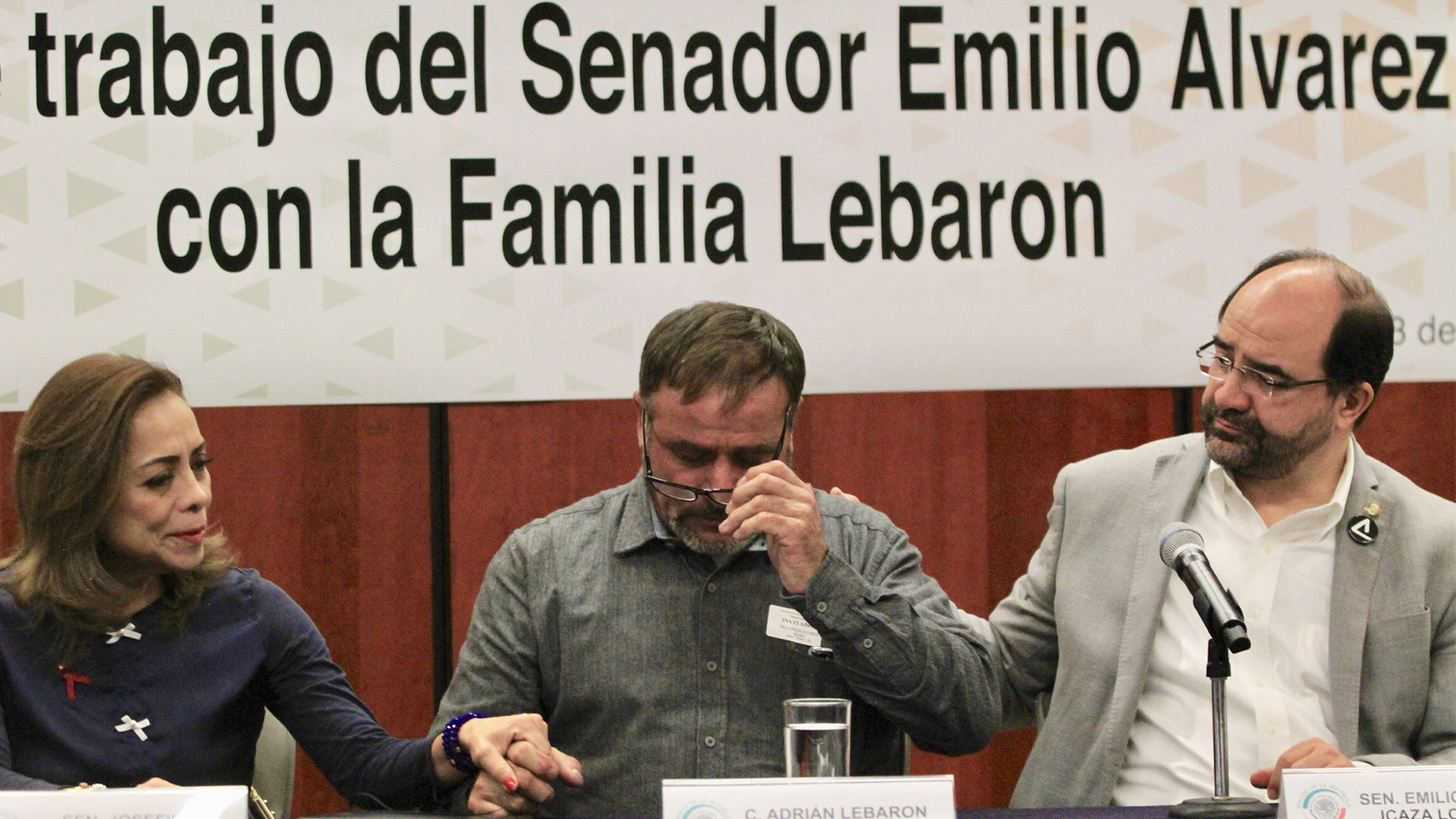 Reunión de familia LeBarón con senadores. Foto de Notimex