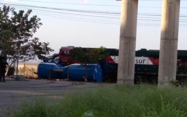 Tren arrastra pipa con combustible en Veracruz - tren pipa veracruz