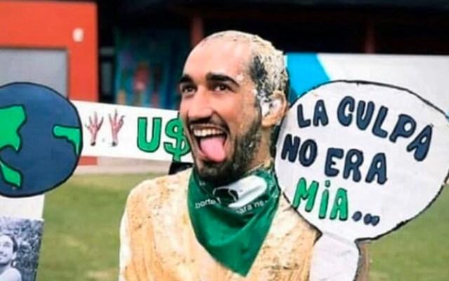 """#Viral Estudiante deberá hacer de nuevo la tesis por burlarse de protesta """"Un violador en tu camino"""" - Tomás Vidal"""