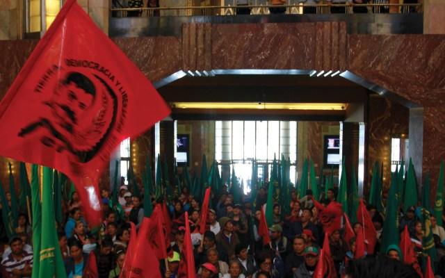 Cámara de Diputados condena violencia en Bellas Artes - Foto de Notimex