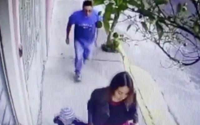 Detienen a hombre señalado por acosar a mujer en Iztapalapa - Captura de pantalla