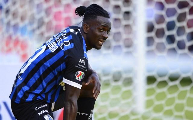 Aké Loba estaría descartado para jugar en Cruz Azul - Foto de Mexsport