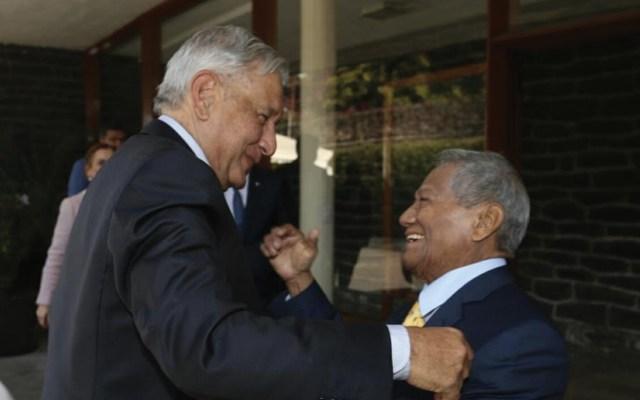 López Obrador se compromete a defender derechos de compositores mexicanos - Foto de Twitter @SACM_Oficial