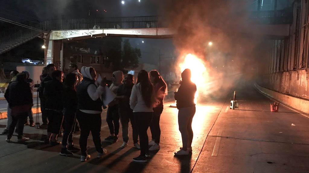 Bloquean Circuito Interior, a la altura de Pensador Mexicano - Bloqueo Pensador Mexicano