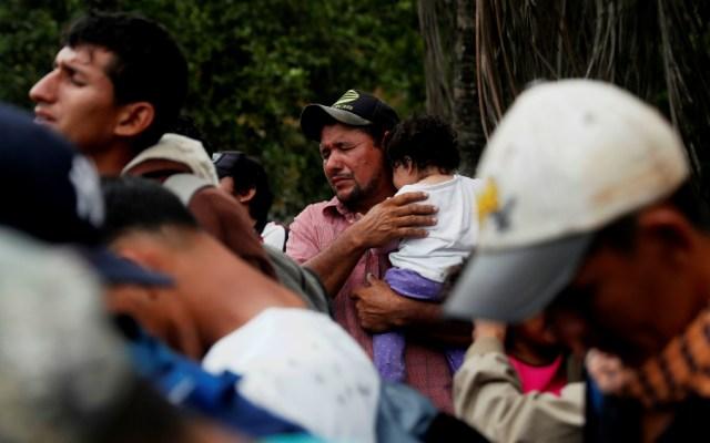 Obligan a caravana migrante a retornar a frontera entre Guatemala y Honduras - Foto de EFE