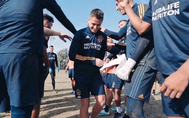 'Chicharito' Hernández acude a primer entrenamiento con el Galaxy - 'Chicharito' Hernández acude a primer entrenamiento con el Galaxy