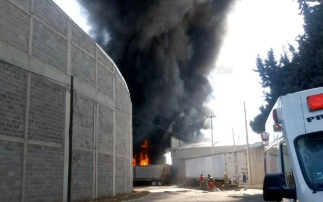 #Video Controlan incendio en fábrica de Cuautitlán Izcalli - Controlan incendio en fábrica de plásticos de Cuautitlán Izcalli