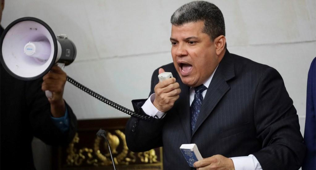 EE.UU. sanciona a diputados chavistas por tratar de evitar reelección de Guaidó - Diputado opositor Luis Parra en Caracas