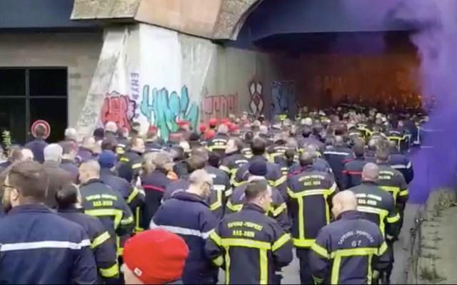 Marchan en Francia contra ataques a Bomberos - Estrasburgo Bomberos Francia ataques 3