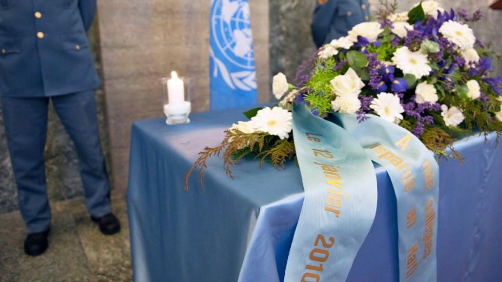 #Video México rinde homenaje a víctimas de la ONU del terremoto de Haití - Homenaje a víctimas del terremoto de Haití en 2010. Foto de @HochschildF