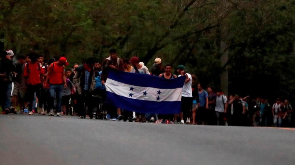 Caravana de migrantes hondureños cruza hacia Guatemala y va camino a México - Caravana de migrantes hondureños cruzan hacia Guatemala y van camino a México