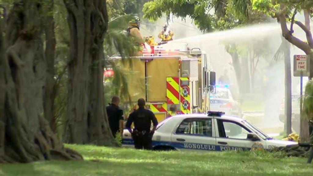 Agreden a policías e incendian casas en Honolulu, Hawaii - Incendio Honolulu Hawaii ataque policías