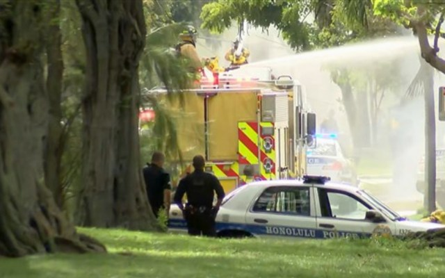 Agreden a policías e incendian casas en Honolulu, Hawaii - Incendio Honolulu Hawaii ataque policías