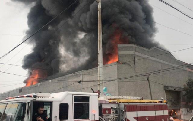 #Video Incendio en bodega de químicos de Monterrey - #Video Incendio en bodega de químicos de Monterrey