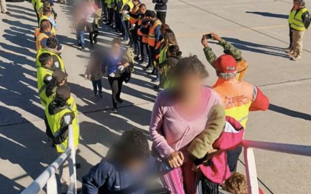 INM deportó a 2 mil 303 hondureños en los últimos 10 días - INM retorno asistido migrantes vuelo avión