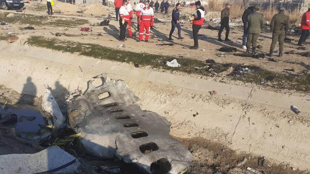 Misiles antiaéreos iraníes habrían derribado avión ucraniano, aseguran funcionarios estadounidenses - Irán avión Ucraniano Teherán