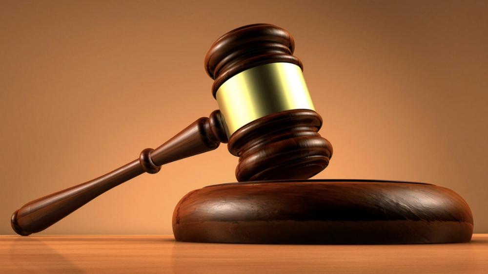 Definen juzgados que atenderán peticiones de amparo de factureros - Mazo de juez. Foto de @FiscaliaEcuador