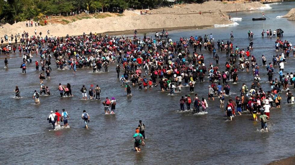 Guardia Nacional repliega a migrantes que cruzaron el río Suchiate - Migrantes rechazan oferta de Segob y cruzan el río Suchiate