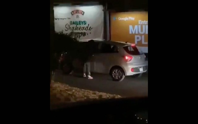 #Video Asaltan a automovilistas en Periférico Sur, cerca de Perisur - Periférico Sur asalto CDMX 2