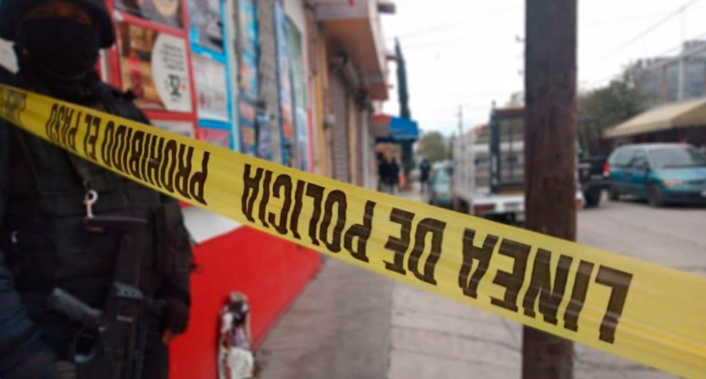 Hombre se suicida tras asesinar a su novia en Monterrey - Policía de Monterrey asegura escena del crimen. Foto de @elnacionalred