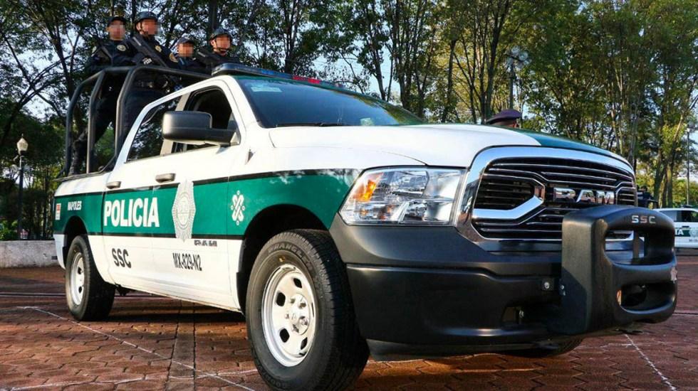 #Video Policía cae de patrulla tipo pickup en la Ciudad de México - Policía cae de patrulla tipo pickup de la CDMX