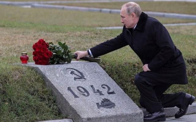 """""""Taparemos la boca a quienes tratan de reescribir la historia"""": Putin -"""