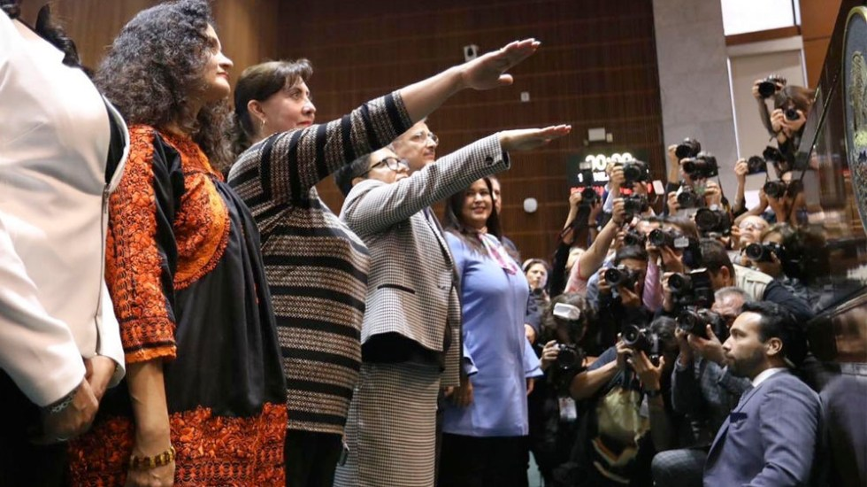 Ratifican a Raquel Buenrostro en SAT y a Thalía Lagunas en SHCP - Ratifican a Raquel Buenrostro en SAT y a Thalía Lagunas en SHCP
