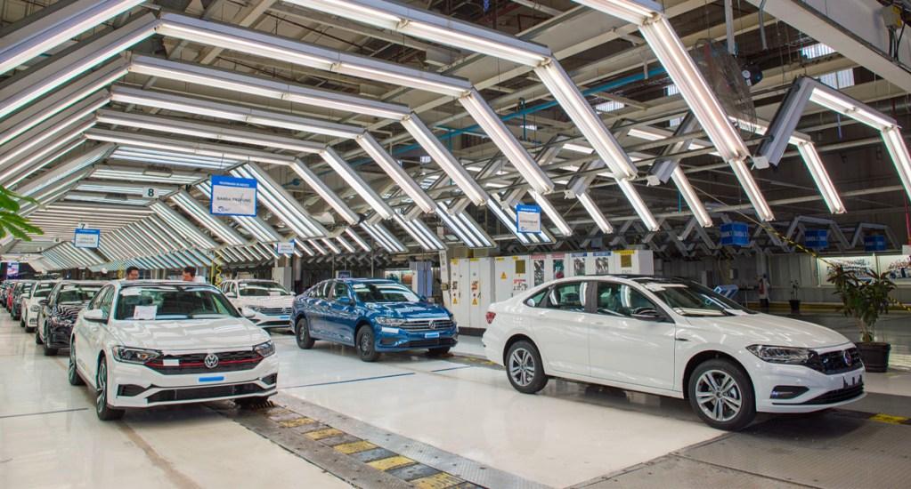 Caen exportaciones de autos ligeros en febrero: Inegi - Venta de vehículos ligeros