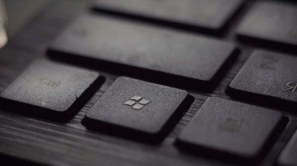 Windows 7 dejará de recibir apoyo técnico a partir de hoy - Windows Microsoft. Foto de Tadas Sar on Unsplash.