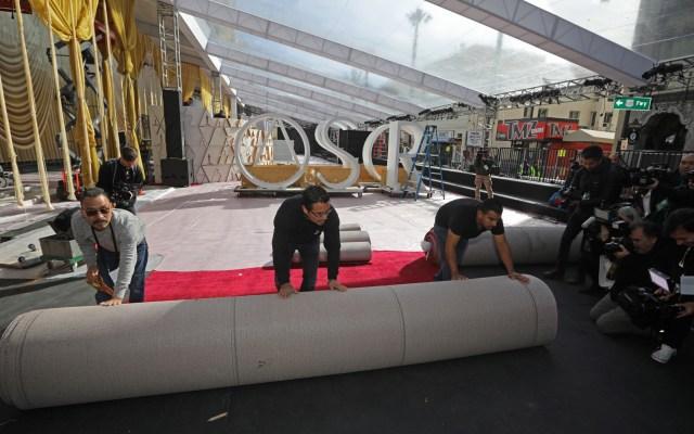 Despliegan alfombra roja para los Premios Óscar - Alfombra roja de los Óscar. Foto de EFE