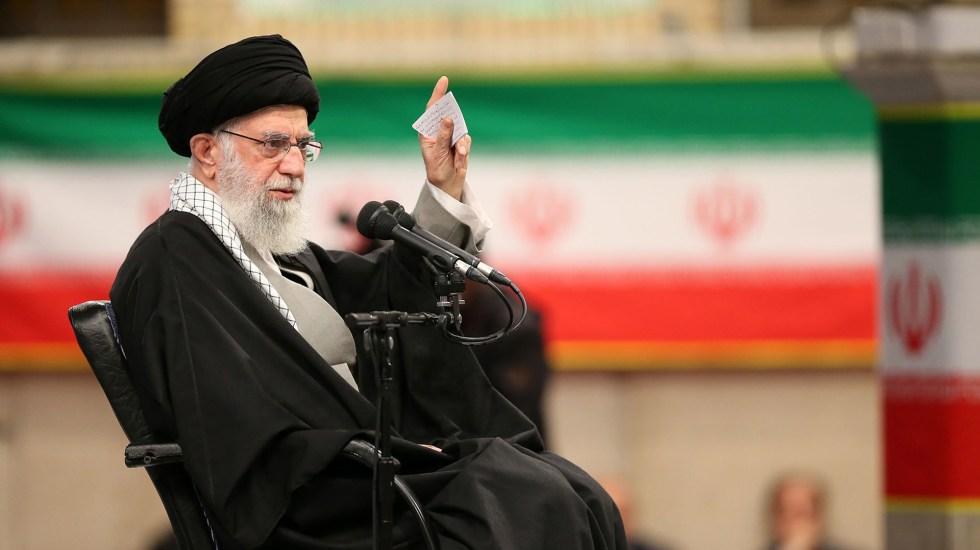 Líder iraní sentencia que plan de paz de EE.UU. morirá antes que Trump - Alí Jameneí, líder supremo de Irán. Foto de EFE