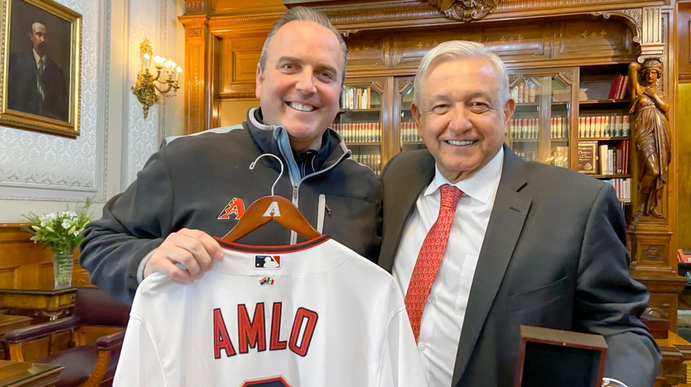AMLO se reúne con director de los Diamondbacks de Arizona - AMLO se reúne con director de los Diamondbacks de Arizona