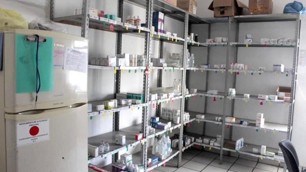 Buscarán uso obligatorio de alertas de desabasto de medicamentos - Anaquel de medicinas en el Hospital Regional Universitario de Colima. Foto de @INSABI_mx