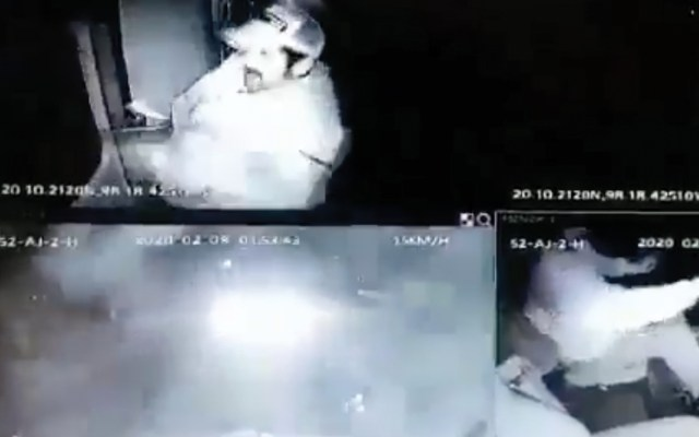 #Video Chofer de tráiler escapa de asalto en Hidalgo - Captura de pantalla