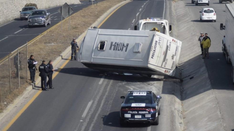 Vuelca autobús en carretera de Hidalgo; reportan 15 lesionados - Foto de @MilenioHidalgo