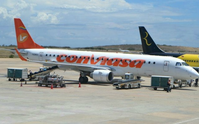 EE.UU. bloquea flota de aviones de aerolínea del gobierno de Maduro - Foto de Conviasa
