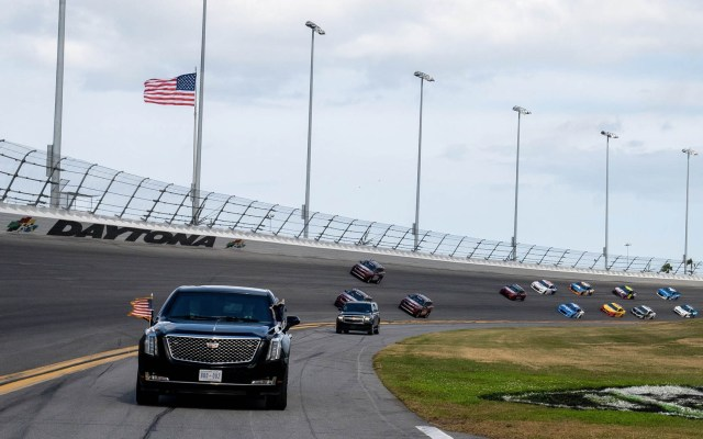 #Video Donald Trump da la salida a las 500 Millas de Daytona - Daytona NASCAR 500 Donald Trump 3
