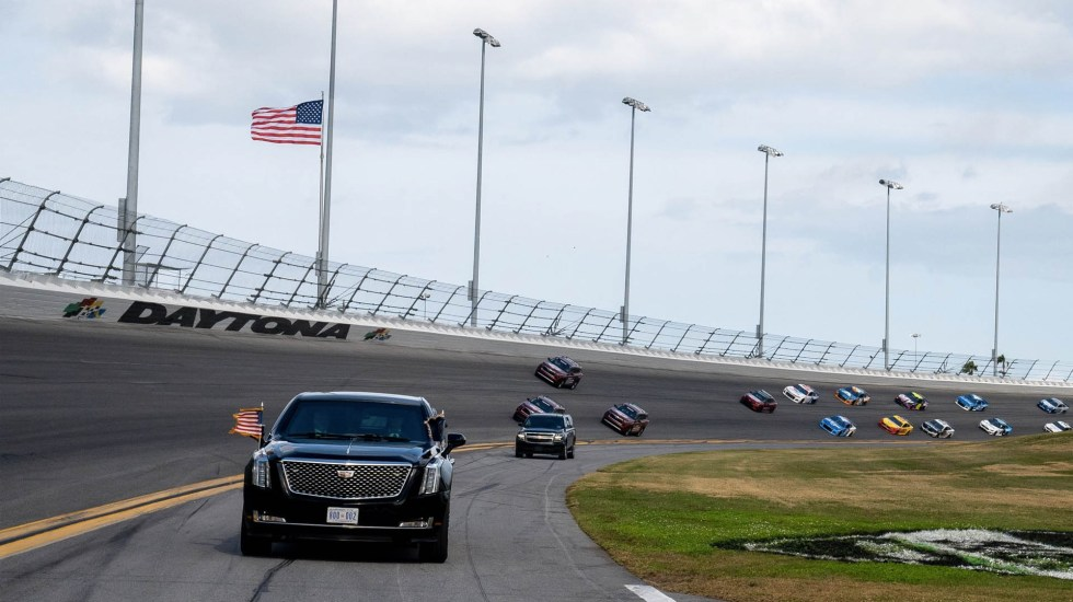 #Video Donald Trump da la salida a las 500 Millas de Daytona - Daytona NASCAR 500 Donald Trump 3