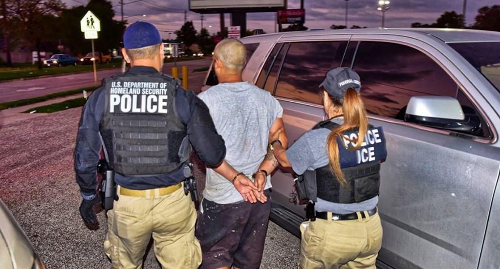 Biden suavizará criterios para detención y deportación de migrantes en EE.UU.: WP - Detención de migrante. Foto de @icegov