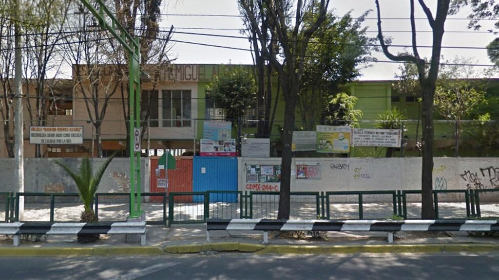 Evacuan dos escuelas en la Benito Juárez tras fuga de gas - Evacuan dos escuelas en la Benito Juárez tras fuga de gas