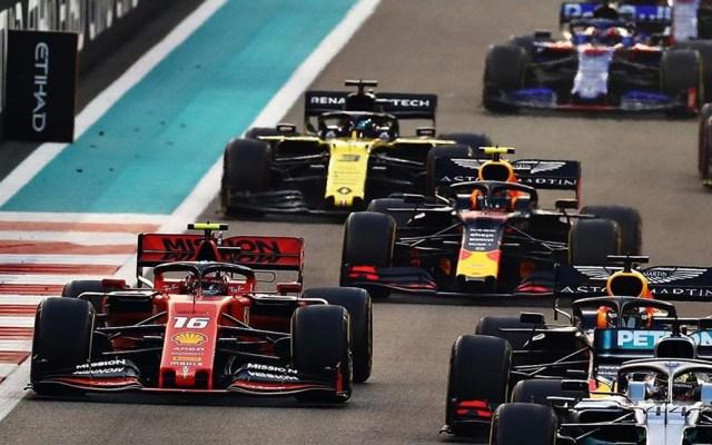 Suspenderían GP de Shanghái por brote de coronavirus - Autos compitiendo por el Gran Premio. Foto de @F1
