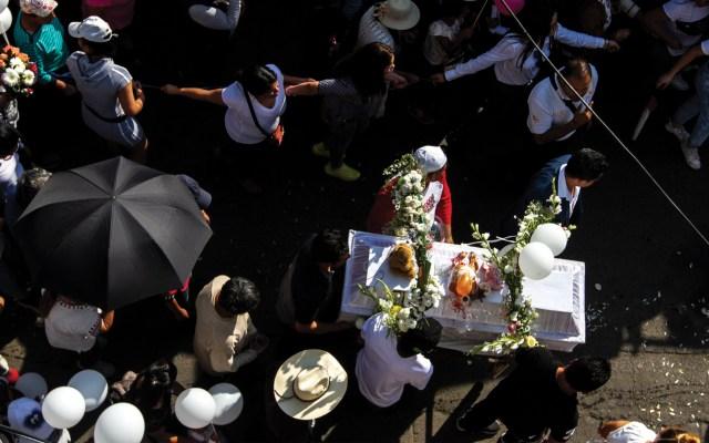 No hay duda que detenidos secuestraron y asesinaron a Fátima, asegura García Harfuch - Cortejo fúnebre de la niña Fátima. Foto de Notimex