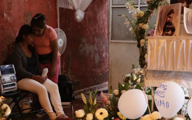 Familiares realizan rosario en honor a Fátima - Foto de Notimex