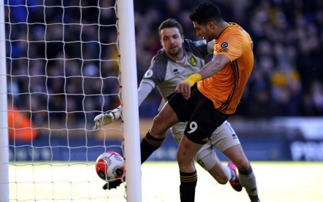 #Video Raúl Jiménez marca ante el Norwich City - Al minuto 50, el mexicano Raúl Jiménez anotó un gol en el partido del Wolverhampton contra Norwich City de la Liga Europea. Foto de EFE