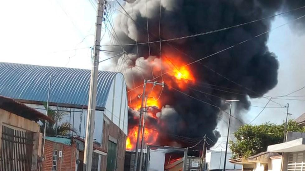 #Video Incendio consume fábrica en Centro de Puebla - Incendio en fábrica de Puebla. Foto de @RUTA_Puebla