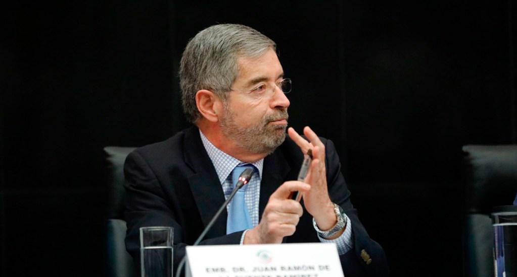 Va bien la propuesta de México a la ONU sobre medicamentos: Ebrard - Juan Ramón de la Fuente en reunión en el Senado. Foto de @SenadoraV