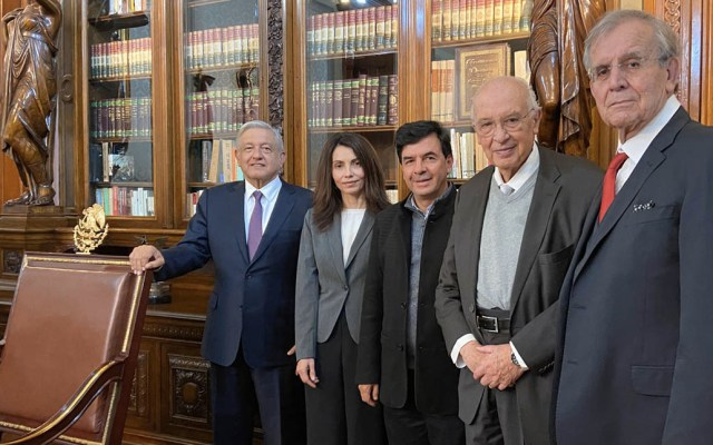 López Obrador se reúne con comité para la Constitución Moral - López Obrador comité Constitución Moral