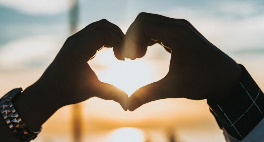 """""""Ya no se cree en el amor"""", afirma experto de la UNAM - Ricardo Trujillo Correa, académico de la Facultad de Psicología, afirmó que la gente no se une """"hasta que la muerte los separe"""", sino hasta que las redes sociales lo hagan"""