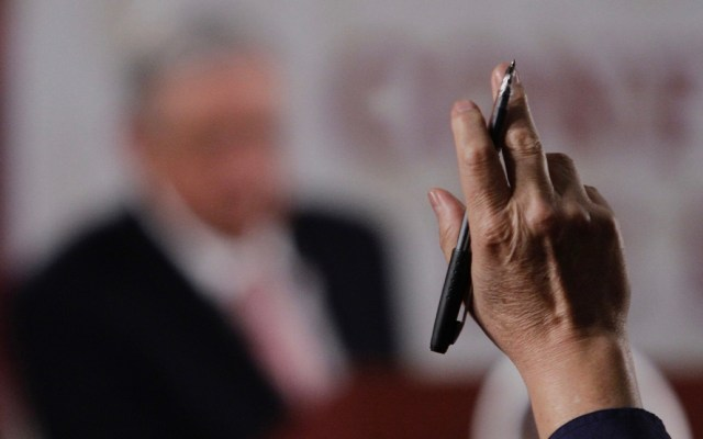 INE declara improcedente petición del PAN para suspender conferencias 'mañaneras' de López Obrador - El INE declaró improcedente la solicitud de medidas cautelares que presentó el PAN para suspender las conferencias